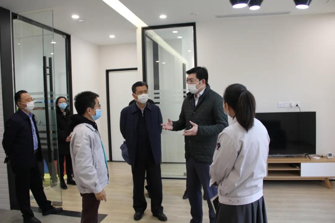 <b>士诺动态 | 上海市金山区副区长何冬宾同志莅临士诺视察指导工作</b>